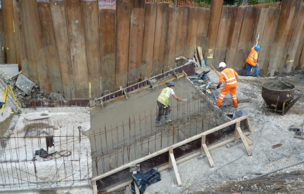 Week 10 concreting the ramp for the screw