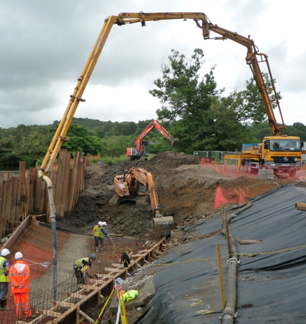 Week 8 July 2014 pumping concrete at the outfall